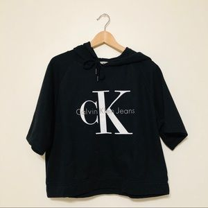 Calvin Klein Cropped Boxy Hoodie